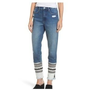 BLANK NYC Ms Molly High Rise Tapered Frayed Hem